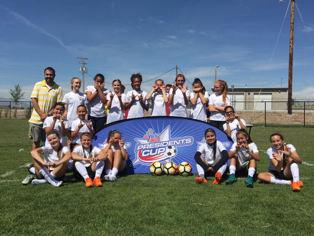 Beach Futbol Club G04 Nunes wins their Region IV pool
