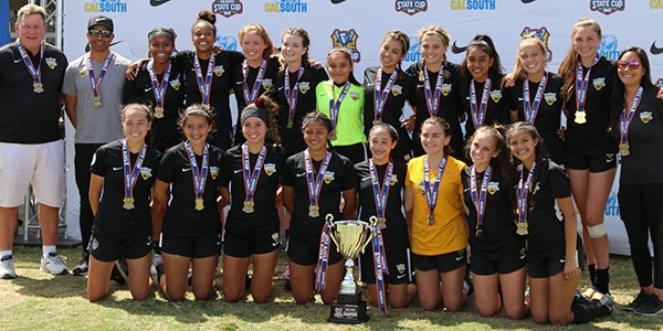 team photo Beach FC G04 Rossi State Cup Champions CalSouth